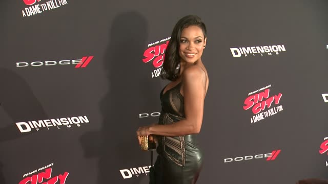 vídeos de stock, filmes e b-roll de rosario dawson at sin city a dame to kill for los angeles premiere at tcl chinese theatre on august 19 2014 in hollywood california - rosario dawson