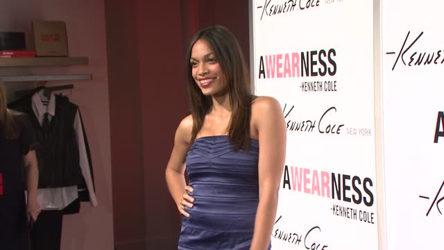 rosario dawson at the kenneth cole hosts book launch for 'awearness inspiring stories about how to make a difference' at new york city new york - dawson city点の映像素材/bロール