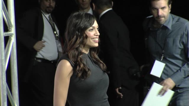 rosario dawson at the the 18th annual environmental media awards benefiting the environment at los angeles ca. - environmental media awards stock-videos und b-roll-filmmaterial