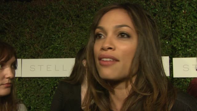 rosario dawson on the importance of attending tonight's event and on what she does to be green at the 'home' screening at stella mccartney at los... - ブランド ステラマッカートニー点の映像素材/bロール