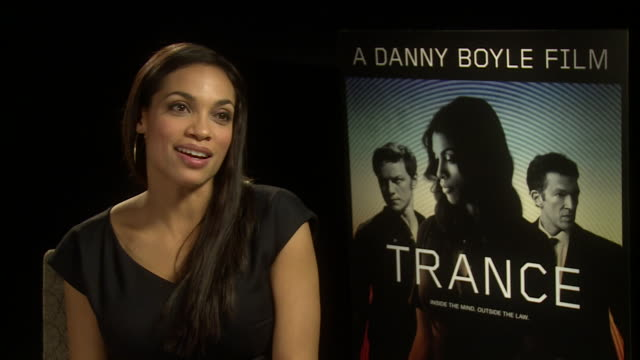 vídeos de stock, filmes e b-roll de interview rosario dawson on working on 'sin city 2' at 'trance' uk junket interviews at soho hotel on march 19 2013 in london england - dawson city