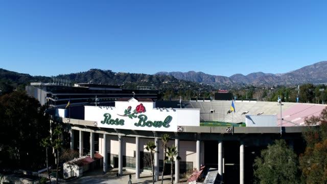 rose bowl stadium in pasadena california - pasadena los angeles video stock e b–roll