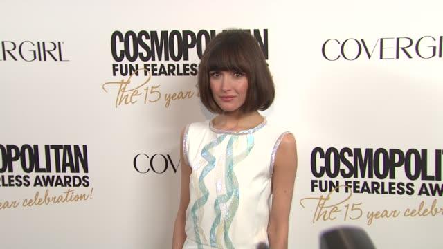 vídeos de stock e filmes b-roll de rose byrne at cosmopolitan magazine's fun fearless awards 2012 on in new york - rose byrne