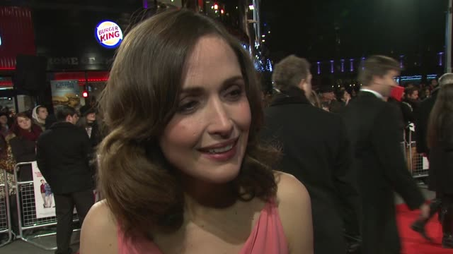 INTERVIEW Rose Byrne on the premiere on the good buzz about the film on great comedies and on Rafe Spall at 'I Give It A Year' European Premiere in...