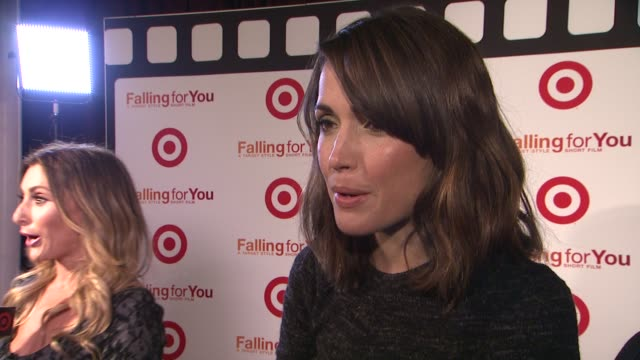 """vídeos de stock e filmes b-roll de rose byrne talks about how the concept behind falling for you may be the way of the future at target """"falling for you"""" event at terminal 5 on october... - rose byrne"""