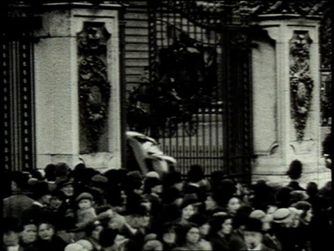 stockvideo's en b-roll-footage met rose kennedy and two of her daughters arriving outside buckingham palace / london united kingdom united kingdom - 1938