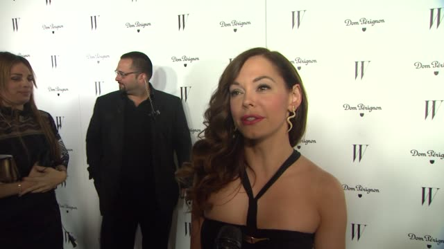 vidéos et rushes de rose mcgowan on why she wanted to attend wõs best performances party, being a fan of w magazine and how her dress is something she purchase years... - dom tom