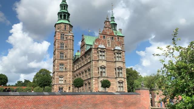 rosenborg castle, copenhagen - öresundregion stock-videos und b-roll-filmmaterial
