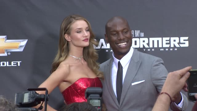 rosie huntingtonwhiteley and tyrese gibson at the 'transformers dark side of the moon' new york premiere at new york ny - tyrese stock videos and b-roll footage