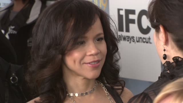 rosie perez at the film independent's 2009 spirit awards arrivals part 2 at los angeles ca. - rosie perez stock videos & royalty-free footage