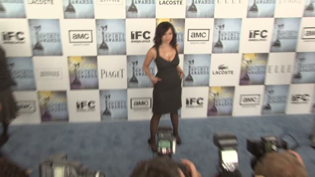 rosie perez at the film independent's 2009 spirit awards arrivals part 3 at los angeles ca. - rosie perez stock videos & royalty-free footage