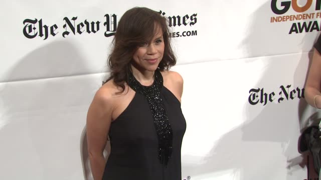 rosie perez at the ifp's 20th annual gotham independent film awards at new york ny. - rosie perez stock videos & royalty-free footage
