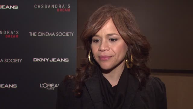 stockvideo's en b-roll-footage met rosie perez on what brings her out tonight and her favorite woody allen films, about her plans for the holidays and what she hopes is under her tree... - rosie perez