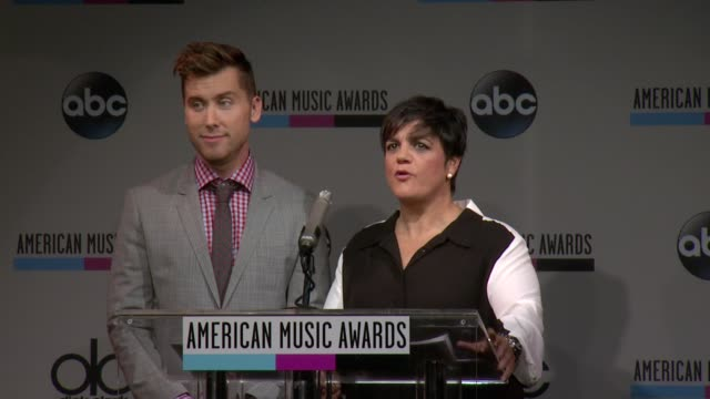 speech rosie pierri announces that next thursdays fan can keep up with all things ama 2013 american music awards nominations press conference at bb... - 2013 american music awards stock videos & royalty-free footage