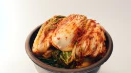 Rotate kimchi on a  crock