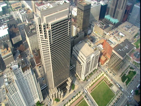 Rotating aerial of St Louis business district with sky scrapers and municipal buildings