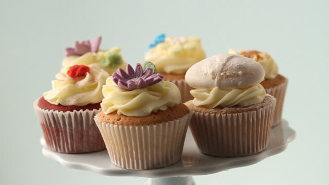 rotating cupcakes - cupcake stock videos & royalty-free footage