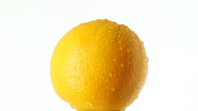 stockvideo's en b-roll-footage met rotating orange - vitamine c