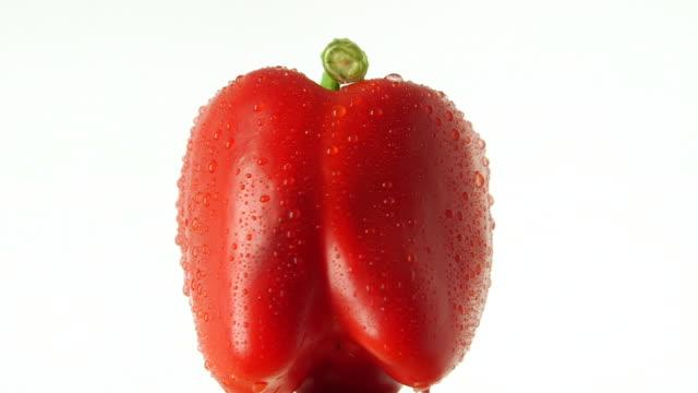 vídeos y material grabado en eventos de stock de rotating red bell pepper - vitamina c