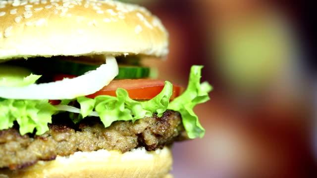 rotating tasty hamburger - cheeseburger stock videos & royalty-free footage