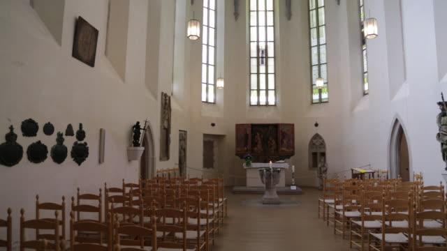 rothenburg ob der tauber, altar in the franciscan church (franziskanerkirche) - altar stock videos & royalty-free footage