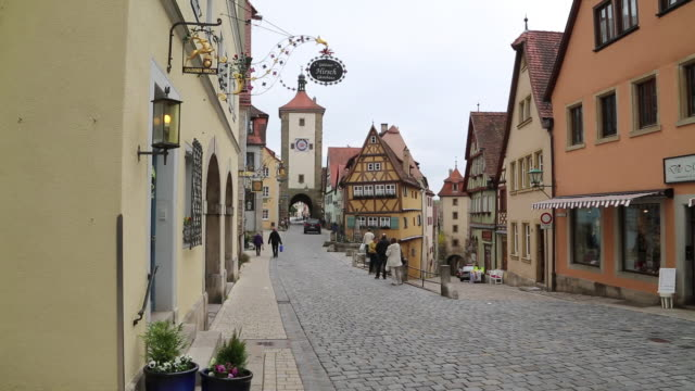 Rothenburg ob der Tauber, little square (Plonlein) and the Sibers (Siebersturm) tower