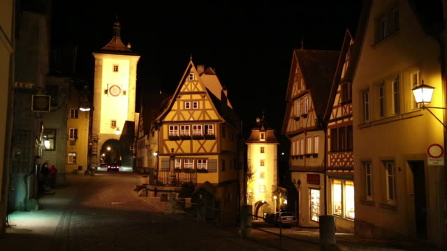 Rothenburg ob der Tauber, night scene of the little square (Plonlein) and the Sibers (Siebersturm) tower