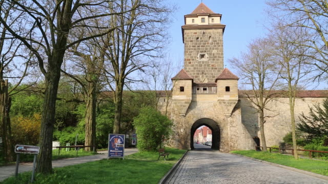 rothenburg ob der tauber, view of the galgentor gate (wurzburg gate) - wurzburg stock videos and b-roll footage