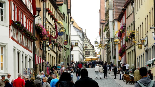 rothenburg obere schmiedgasse (4k/uhd to hd) - romantic road germany stock videos and b-roll footage