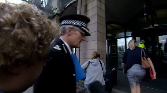 new victims come forward london portcullis house photography *** david crompton arriving for appearance before home affairs select committee and... - 性的虐待点の映像素材/bロール