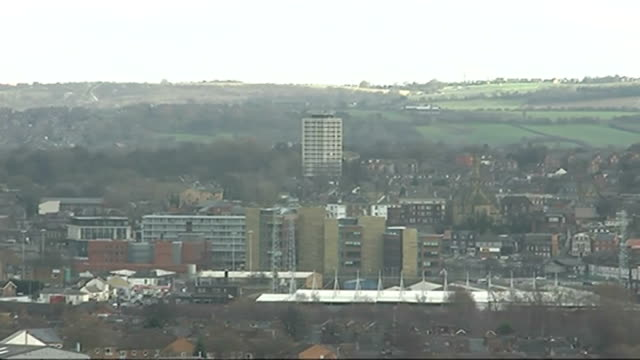vídeos y material grabado en eventos de stock de rotherham council leader and cabinet resign after damning report; england: yorkshire: rotherham: ext general view of rotherham cityscape high angle... - bare tree