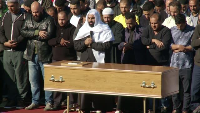 vidéos et rushes de trial begins date funeral of mushin ahmed - procès