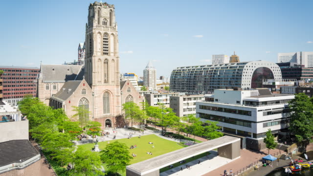 time lapse: rotterdam laurenskerk and markthal - veduta dall'alto video stock e b–roll
