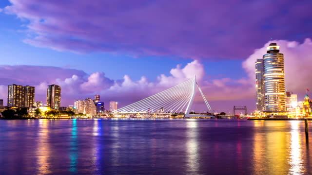 stockvideo's en b-roll-footage met rotterdam skyline at night - scheepvaart