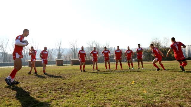 vídeos de stock e filmes b-roll de rough sport - rugby
