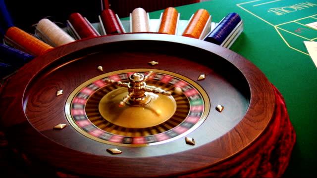 vídeos de stock, filmes e b-roll de roleta spinning - jogo da sorte