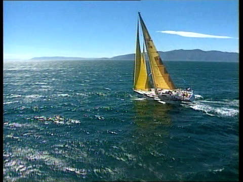 disabled crew complete second leg pacific ocean cook straits ext general views 'time and tide' crew along at sea off coast of new zealand mike austin... - segelmannschaft stock-videos und b-roll-filmmaterial