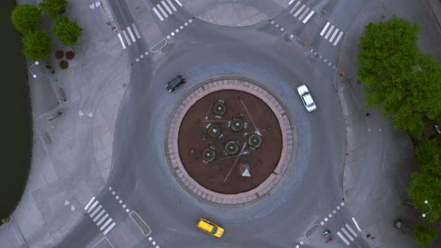 aerial: a roundabout, eskilstuna city - resa stock videos & royalty-free footage