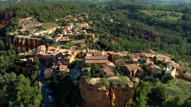 roussillon  - aerial view - provence-alpes-côte d'azur, vaucluse, arrondissement d'apt, france - luberon stock videos & royalty-free footage