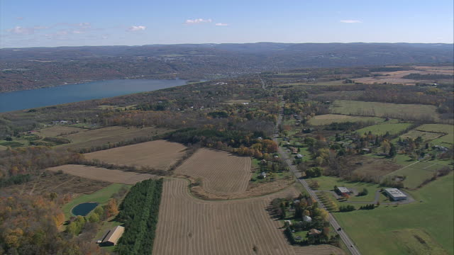 aerial us route 89 traveling north along cayuga lake / ithaca, new york, united states - cayuga stock videos & royalty-free footage