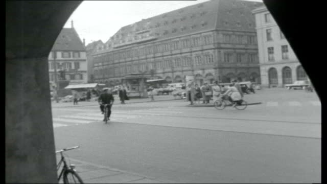 vídeos de stock e filmes b-roll de bridge across the rhine air view strasbourg / general views of strasbourg / traffic along the old bridge tracking end credits - estrasburgo