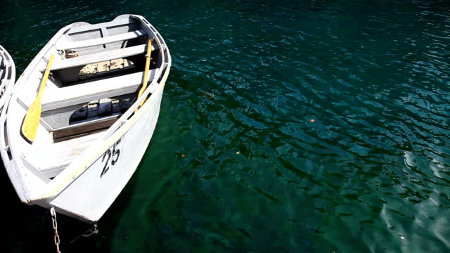 列のボート