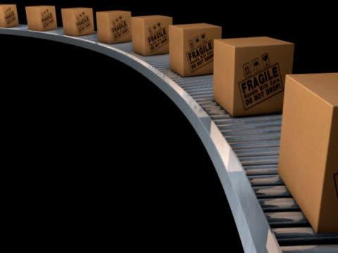 vídeos y material grabado en eventos de stock de cgi, row of cardboard boxes on conveyor belt - grupo mediano de objetos