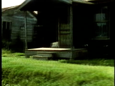row of dilapidated houses in poor rural southern area/ usa/ audio - mailbox stock videos and b-roll footage
