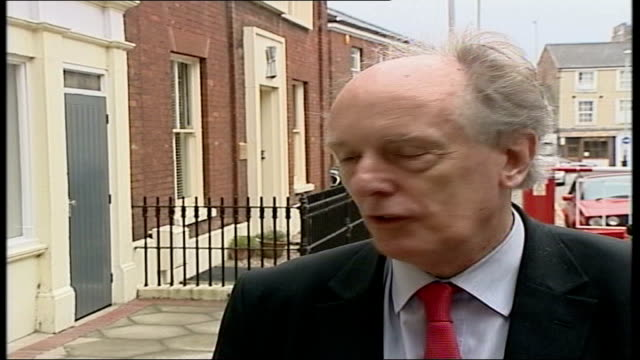 row over cherie blair hairdresser costs ian gibson mp interview sot i am astonished that somebody should charge it to the labour party/ i don't think... - キャシー・ニューマン点の映像素材/bロール