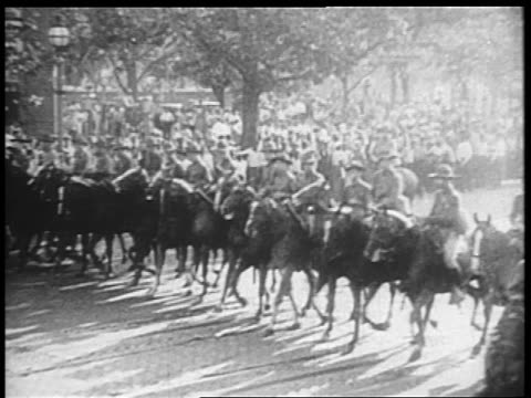 b/w 1932 rows of us troops riding horses down pennsylvania ave / bonus march / washington dc - 1932 stock videos and b-roll footage