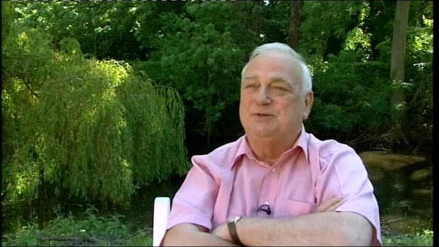 roy hudd interview sot - danny la rue stock videos and b-roll footage