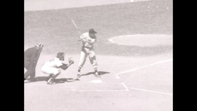 Roy Sievers hits a home rum but Yankees win 32