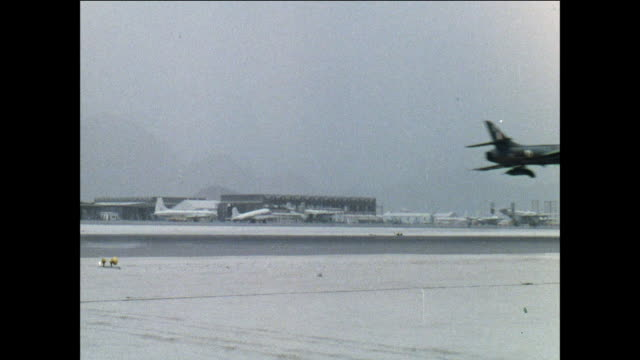 montage royal air force hunter jets takeoff from an airfield for a mission / aden, yemen - aden bildbanksvideor och videomaterial från bakom kulisserna