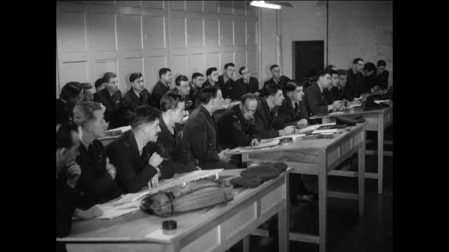 stockvideo's en b-roll-footage met royal air force pilots attend a military briefing / suez canal crisis 1950's - suezcrisis